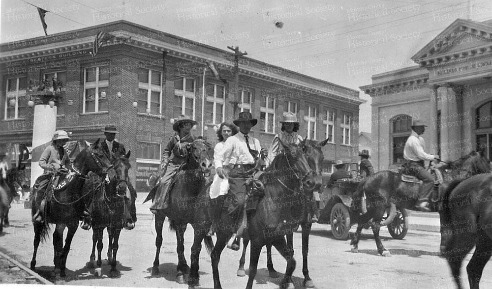 901-horse-parade